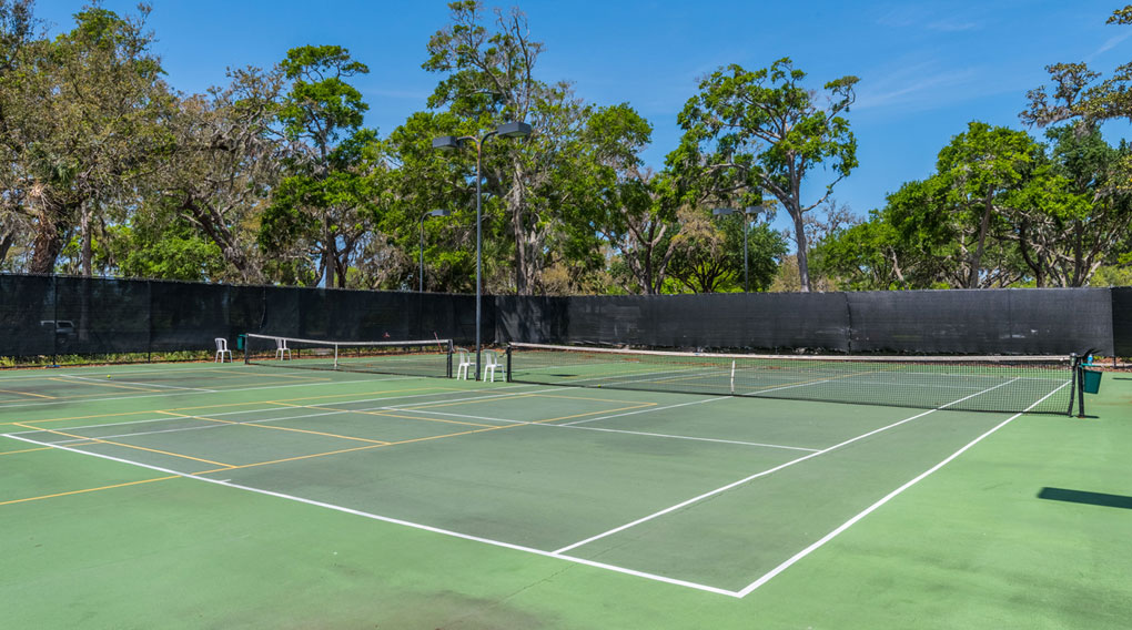 Queen's Harbour Yacht & Country Club tennis courts