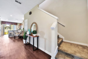 14139 Corrine Cir foyer