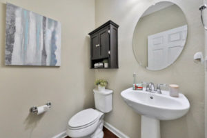 14139 Corrine Cir bathroom