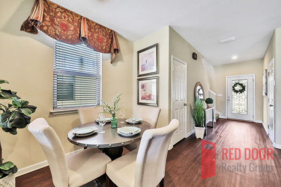 14139 Corrine dining area & foyer