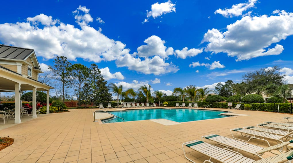Oxford Chase Townhomes Jacksonville, FL Pool View